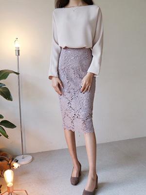 勃兰登堡蕾丝裙子