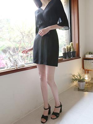 优美的包装连衣裙