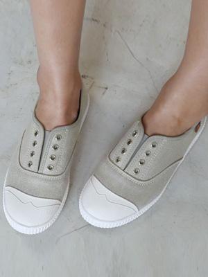 奔中胶底帆布鞋2厘米