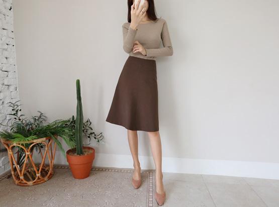 Sseoseu一个线条裙子