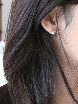 较小的珍珠耳环