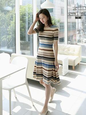 卷轴织织织衫连衣裙