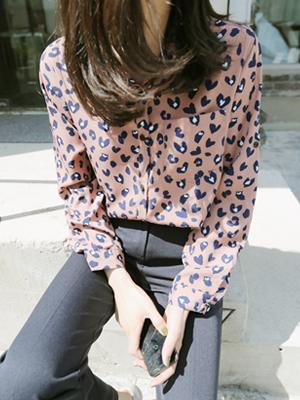 爱心豹纹女衬衫