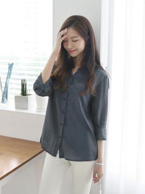 裂纹口袋衬衫