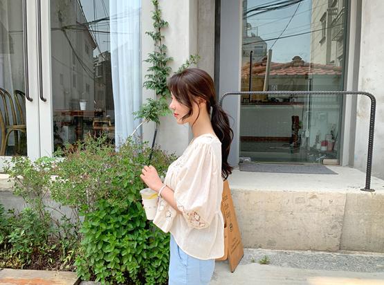 Katomi蕾丝7分裤女衬衫